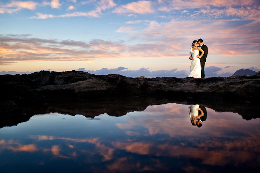 By the water :: Hawaii Wedding Photography