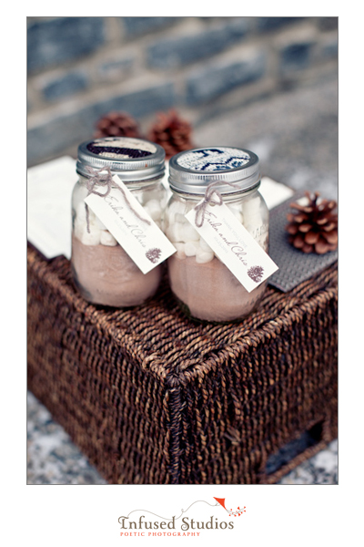 DIY wedding favours :: hot chocolate mix in mason jars