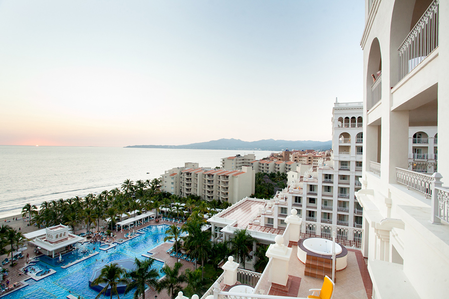 Puerto Vallarta resort :: Destination Wedding Photography by infusedstudios.ca