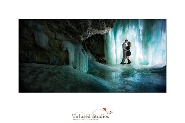 Winter engagement photos :: Jasper Ice Caves