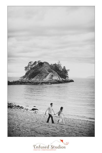 Vancouver Engagement Photos :: Beach