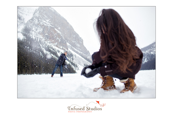 Winter fun engagement photos