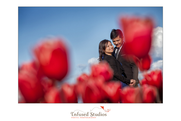 Seattle Engagement Photos :: Tulip field