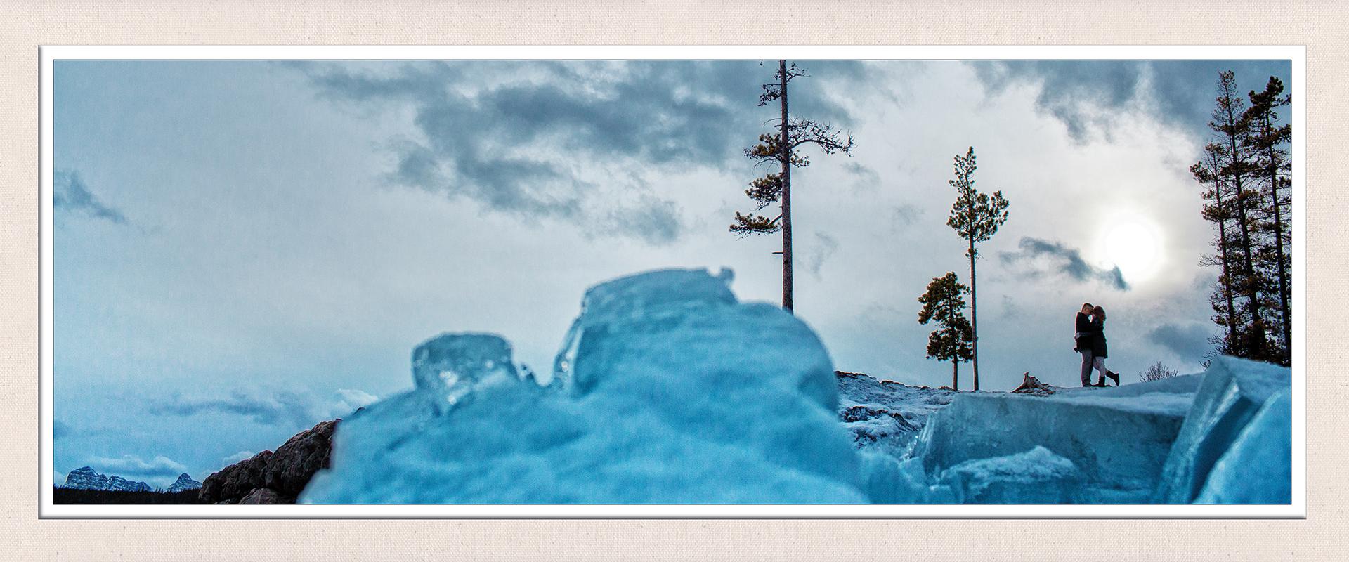 Seasons engagement album, winter :: Caitlyn + Jordan pages 20-21