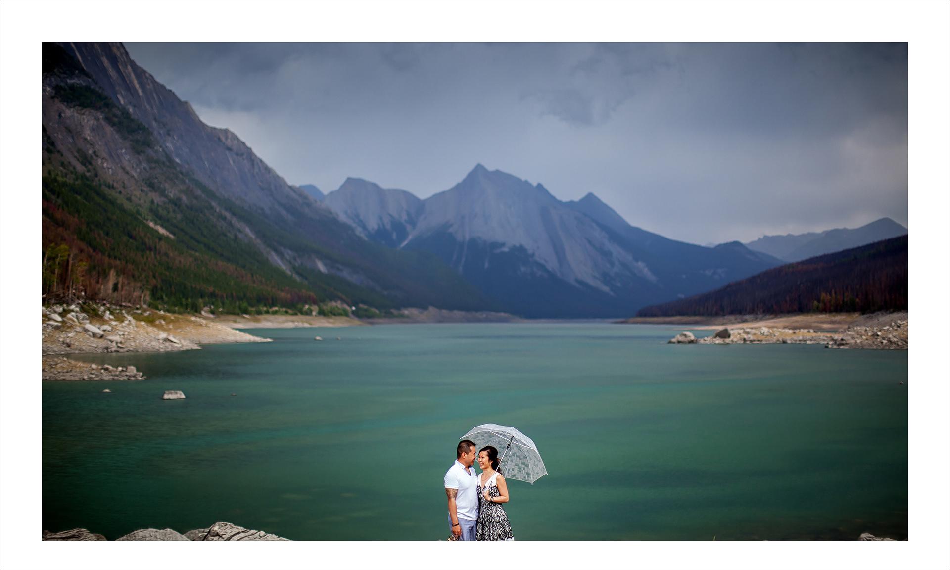 Award winning engagement photography album :: pgs 9-10 Lake